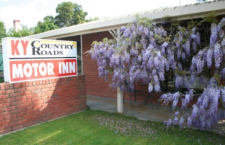 KY COUNTRY ROADS MOTOR INN - Accommodation Rockhampton