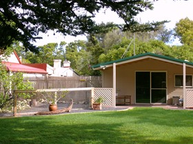 Shiralea Country Cottage - Accommodation Rockhampton