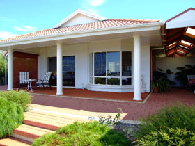 Close Encounters Bed and Breakfast - Accommodation Rockhampton