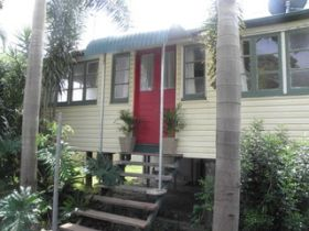 The Red Ginger Bungalow - Accommodation Rockhampton
