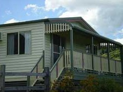 Halls Country Cottages - Accommodation Rockhampton