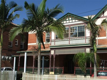 Maclean Hotel - Accommodation Rockhampton