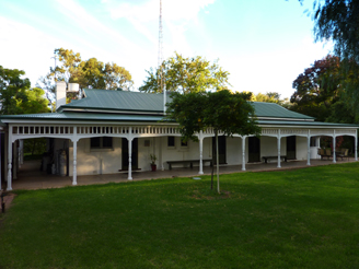 Lake Victoria Station Lodge - Accommodation Rockhampton