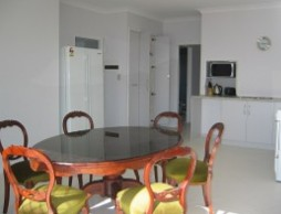 Olas Holiday House - Accommodation Rockhampton