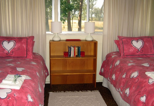 Flag Springs Bush Retreat - Accommodation Rockhampton