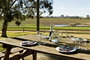 Colenso Country Retreat and Walker's Cottage