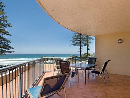 Coolum Baywatch Resort - Accommodation Rockhampton