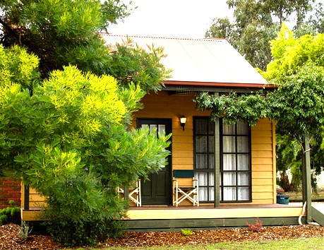 Mountain View Motor Inn and Holiday Lodges - Accommodation Rockhampton