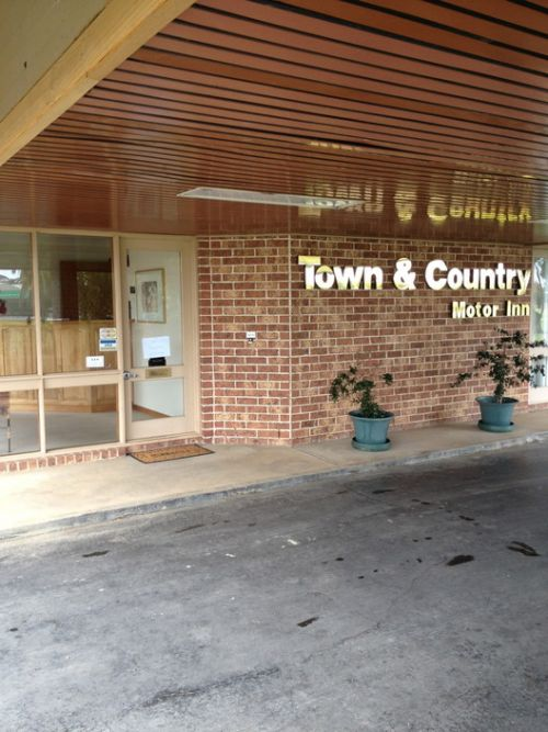 Town amp Country Motor Inn Forbes - Accommodation Rockhampton