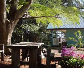 Pines On The Plateau Luxury Lodges - Accommodation Rockhampton