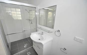Balmain 4 Mont Furnished Apartment - Accommodation Rockhampton