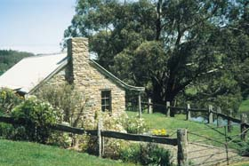 Adelaide Hills Country Cottages - Gum Tree Cottage - Accommodation Rockhampton