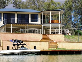 Cascades on the River - Accommodation Rockhampton