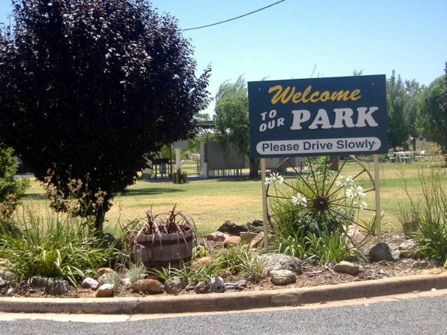 Country Club Caravan Park - Accommodation Rockhampton