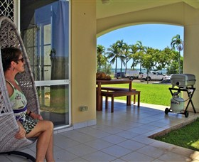 Absolute Beachfront Apartment - Accommodation Rockhampton
