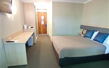 Lakeview Hotel Motel - Oak Flats - Accommodation Rockhampton