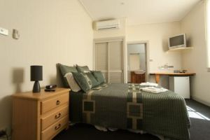 Tommys Tavern  - Accommodation Rockhampton