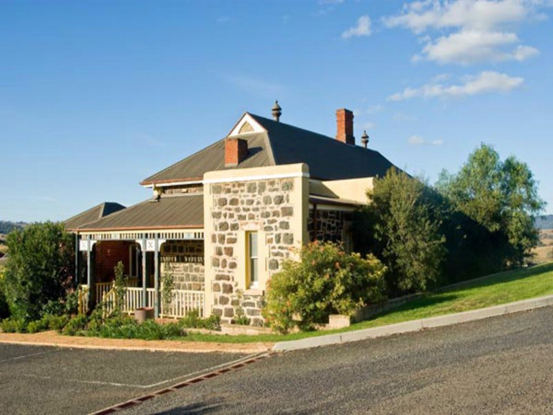 Hermitage Hill Resort - Accommodation Rockhampton