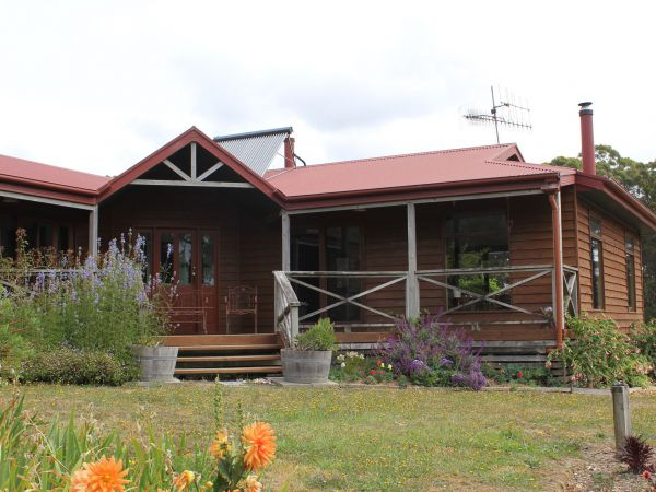 Eagle's Roost Farmstay BB - Accommodation Rockhampton
