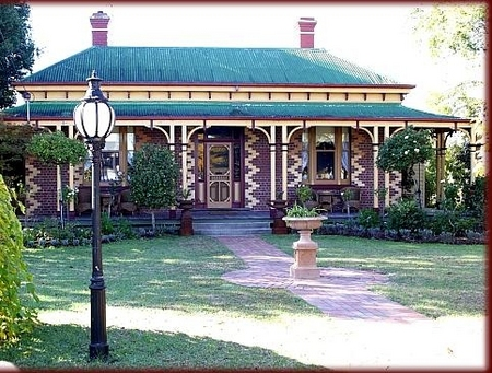 Tara House Bed and Breakfast - Accommodation Rockhampton