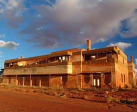 Big Bell Ghost Town - Accommodation Rockhampton