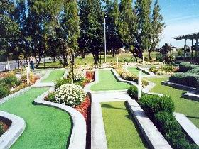West Beach Mini Golf - Accommodation Rockhampton