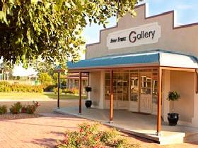 Peter Franz Fine Art Gallery - Accommodation Rockhampton