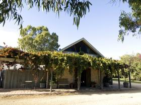 Lake Breeze Wines - Accommodation Rockhampton