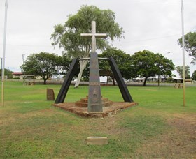 Richmond War Memorial - Accommodation Rockhampton