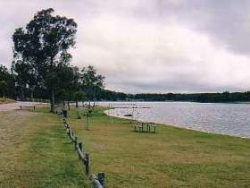 Storm King Dam - Accommodation Rockhampton