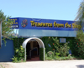 Treasures from the Deep - Opal and Shell Museum - Accommodation Rockhampton