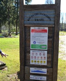 Dog on the Tucker Box Recreational Trail - Accommodation Rockhampton