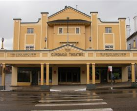 Gundagai Emporium - Accommodation Rockhampton