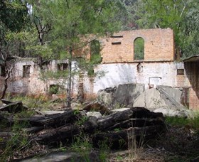 Newnes Shale Oil Ruins - Accommodation Rockhampton
