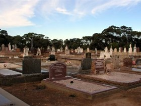 Langhorne Creek Cemetery - Accommodation Rockhampton