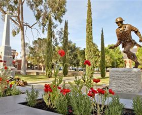 Private Robert Mactier Statue - Accommodation Rockhampton