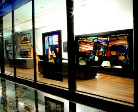 National Art Glass Collection - Accommodation Rockhampton