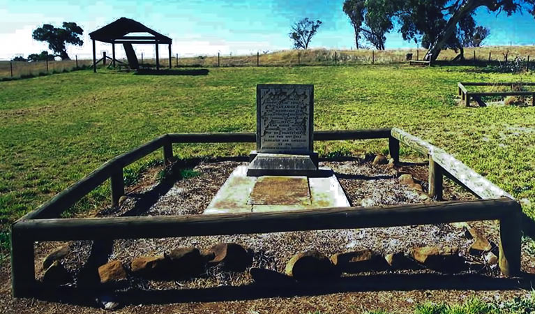 Yuranighs Aboriginal Grave Historic Site - Accommodation Rockhampton