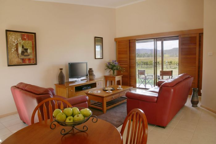 Nightingale Wines Luxury Villas - Accommodation Rockhampton