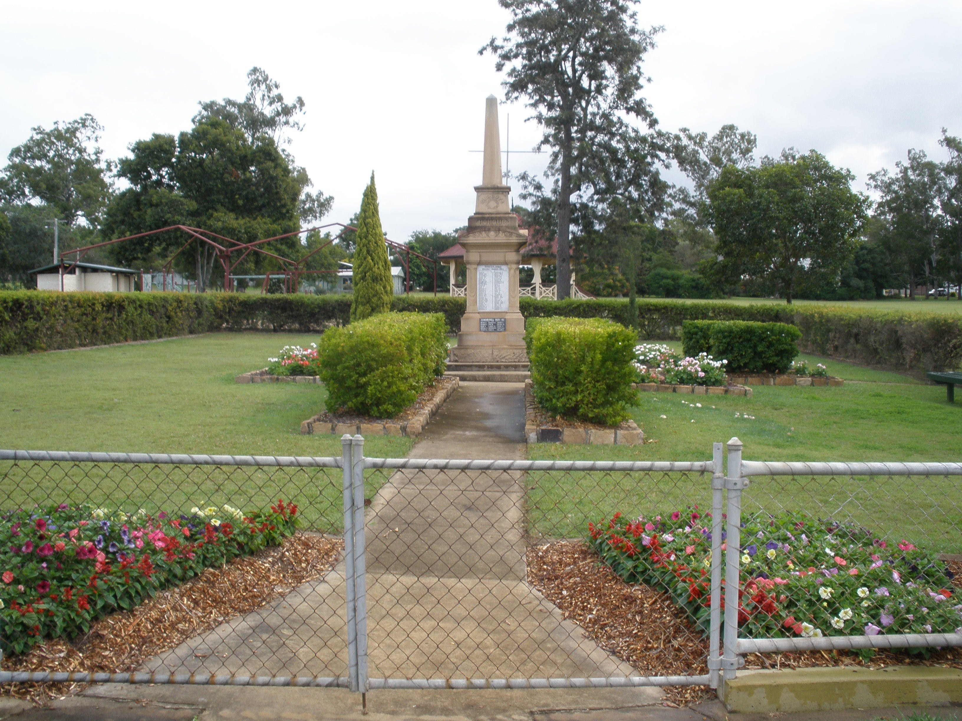 McConnell Park and Toogoolawah War Memorial - Accommodation Rockhampton