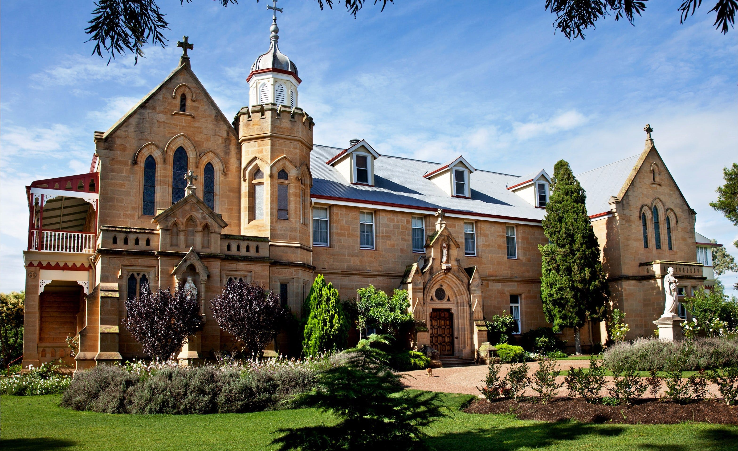 Abbey of the Roses - Accommodation Rockhampton