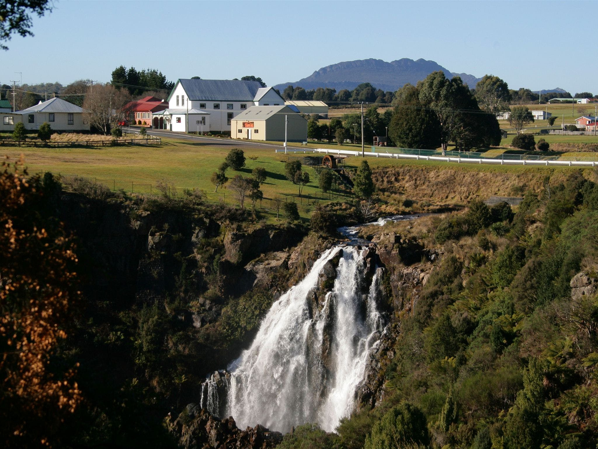 Waratah Falls - Accommodation Rockhampton