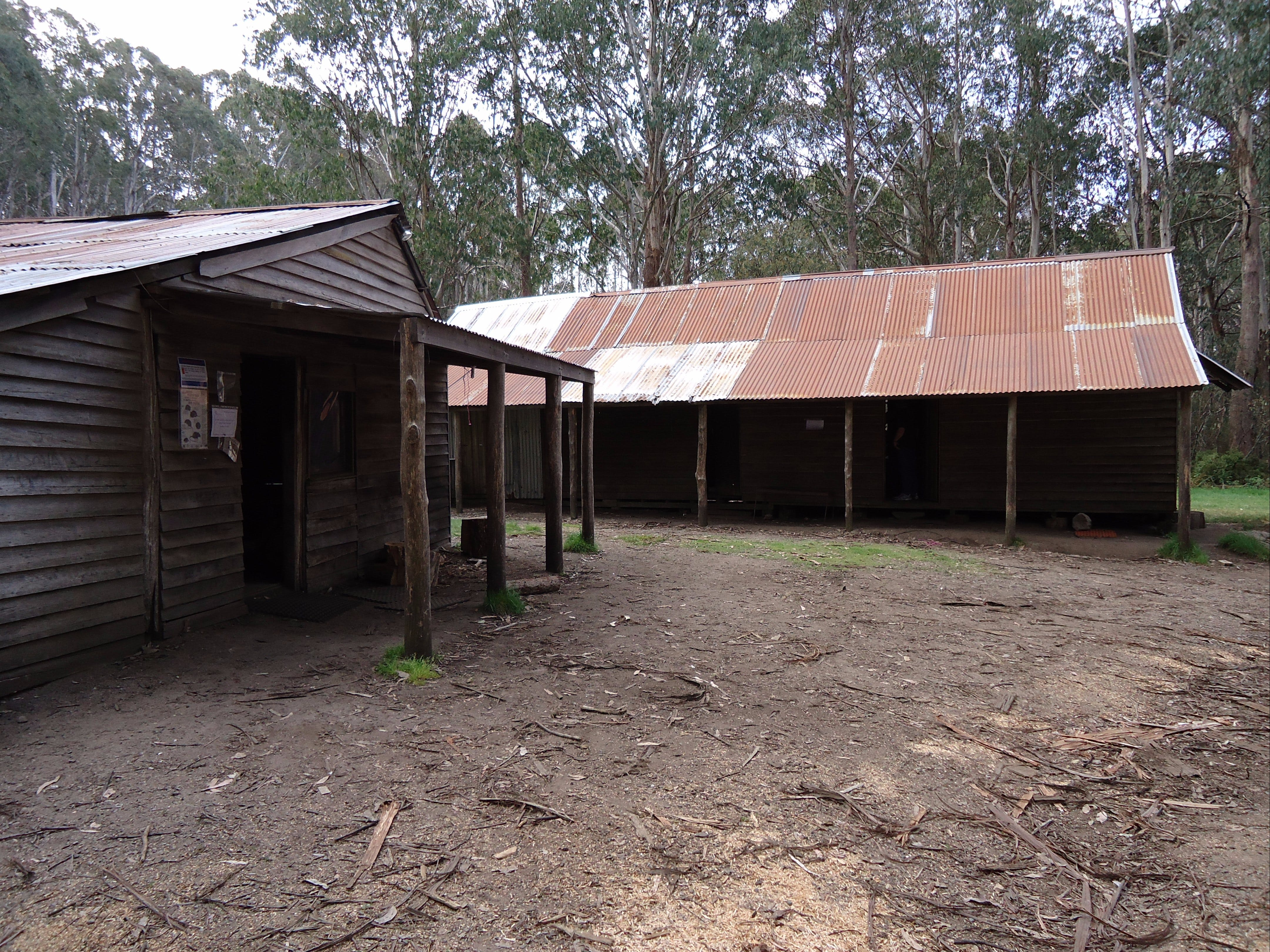 Razorback Hut - Accommodation Rockhampton