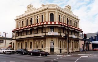 Newmarket Hotel - Accommodation Rockhampton