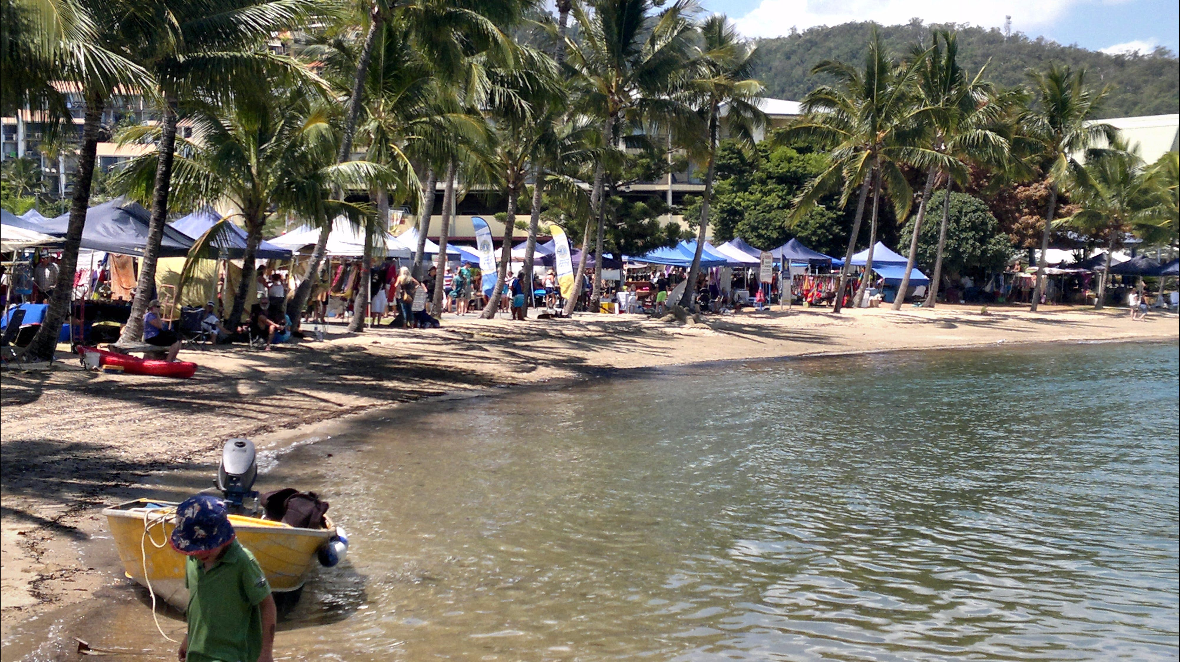 Lions Airlie Beach Community Markets - Accommodation Rockhampton