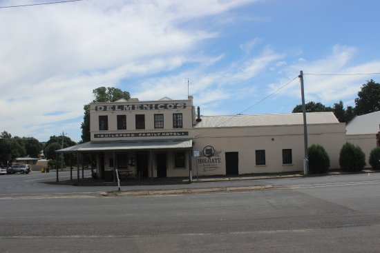 The Guildford Family Hotel - Accommodation Rockhampton