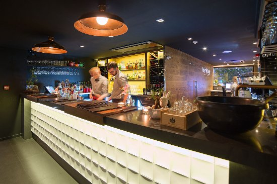 The Oakroom Kitchen and Bar - Accommodation Rockhampton