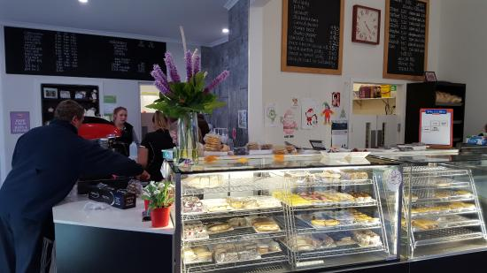 Tumut's Pie in the Sky Bakery - Accommodation Rockhampton