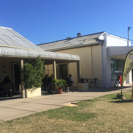 Relaxing Cafe - Accommodation Rockhampton