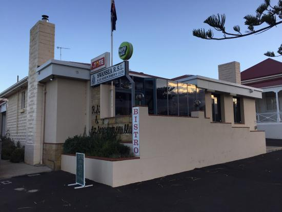 Swansea RSL Bistro - Accommodation Rockhampton
